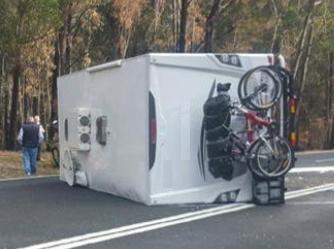 caravan-accident