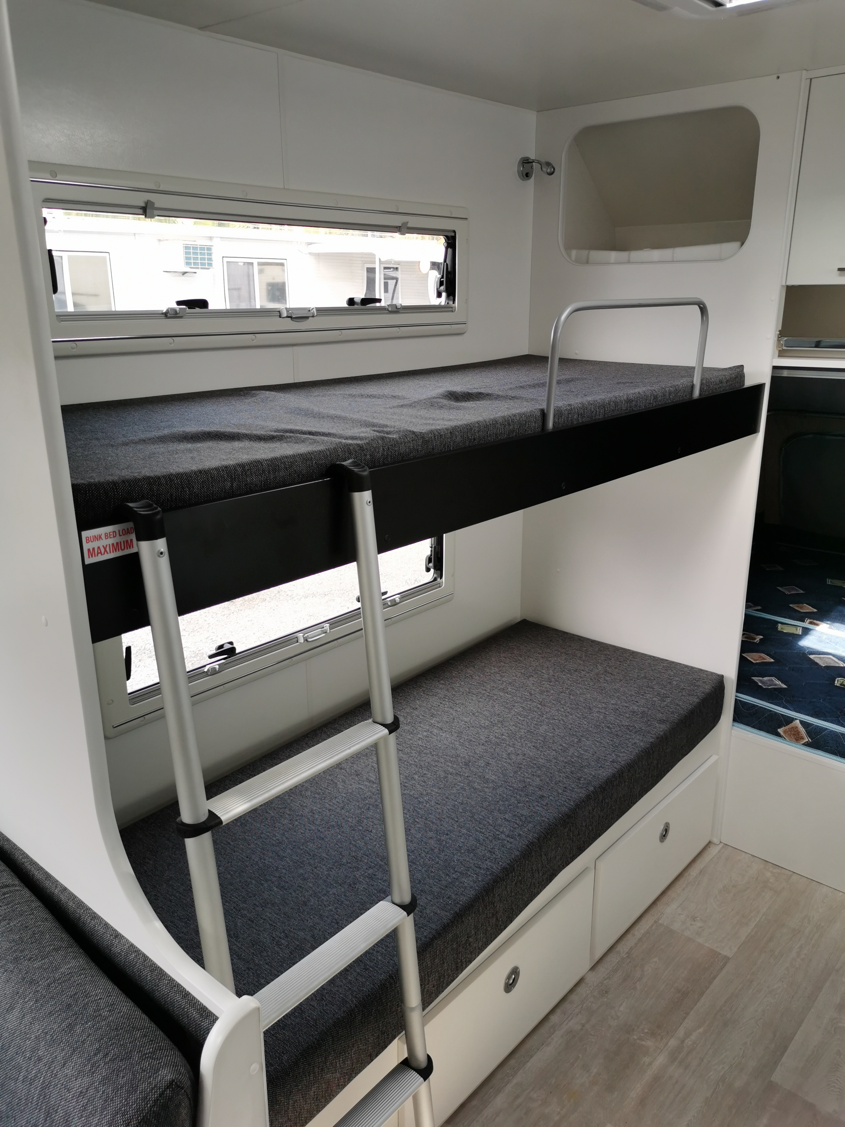 Picture of: Gecko Expanding Quad Bunk Caravan 19 Ensuite New Age Caravans Gold Coast