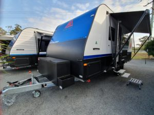 Luxury single axle catavan
